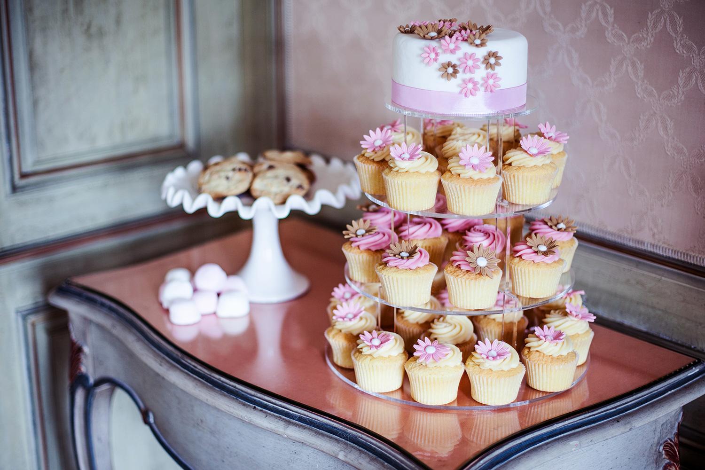 Hochzeitstorte  Cupcake Affair  Handgemachte Cupcakes
